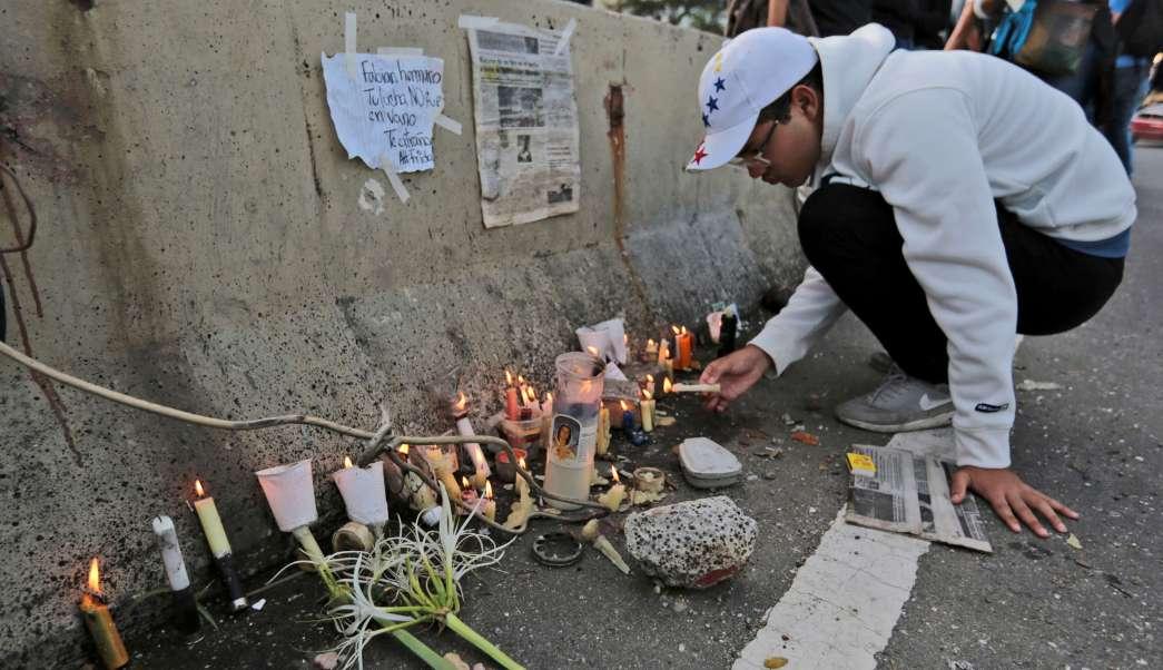 Muertos Hombre Protesta Venezuela Enfrentamientos Duelo