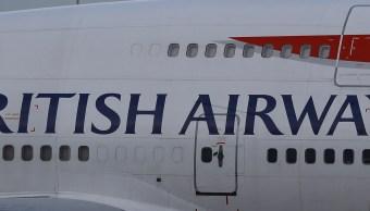 Acercamiento de un avión de British Airways