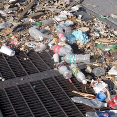 Toneladas de basura, la verdadera causa de las inundaciones en CDMX