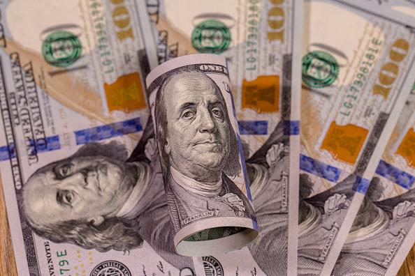 Billetes de EU con valor de 100 dólares