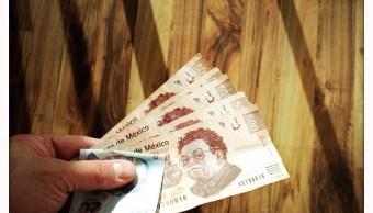 Billetes mexicanos de 500 y 20 pesos