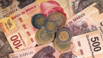 Billetes y monedas mexicanas de diferente valor
