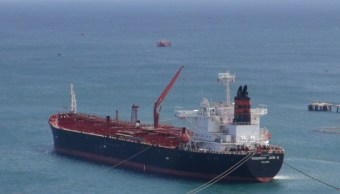Arriba buque a Salina Cruz con combustible. (Twitter Imparcial del Itsmo)