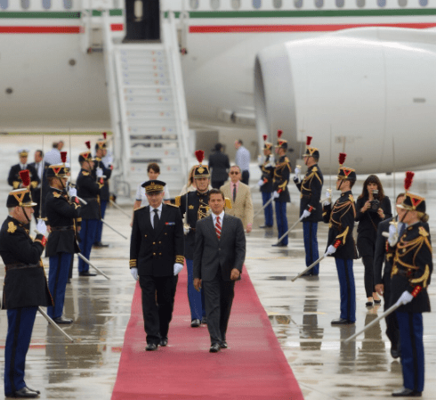 Enrique Peña Nieto llega a Francia