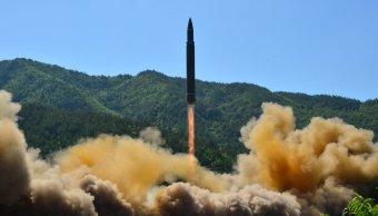 Norcorea lanza nuevo misil que sobrevuela territorio japones