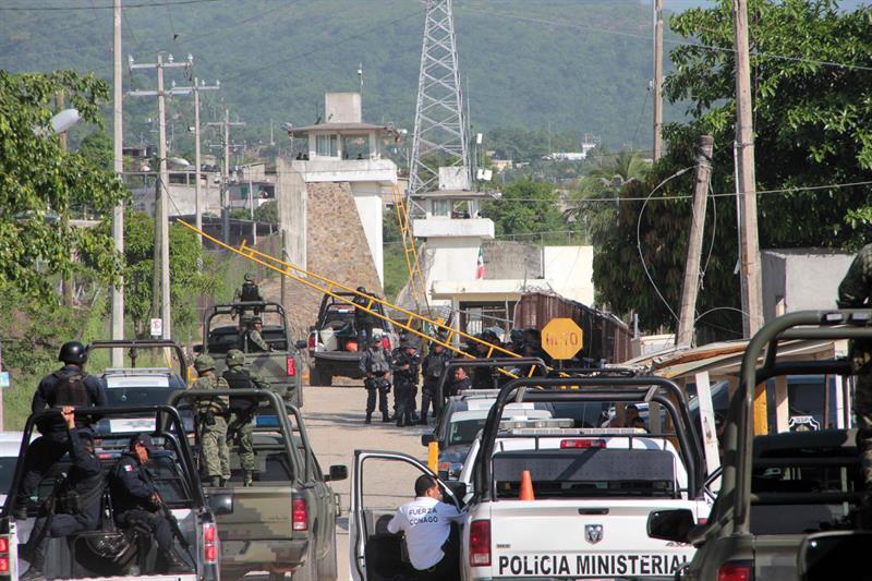 Exterior del penal de Acapulco, Guerrero.