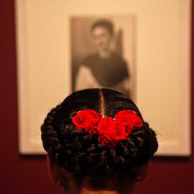¿Por qué amamos y odiamos a Frida Kahlo?