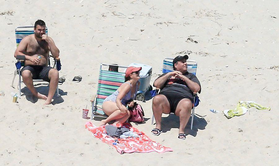 Familiares del gobernador de nueva jersey usan playa