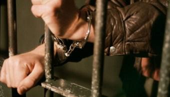 Dan 45 años de prisión a un individuo acusado de feminicidio