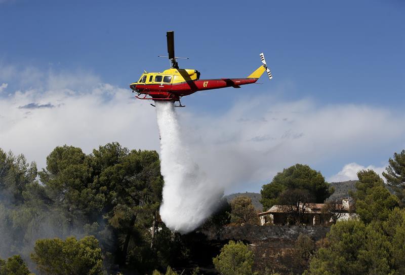 Controlan incendios forestales al sur de Francia