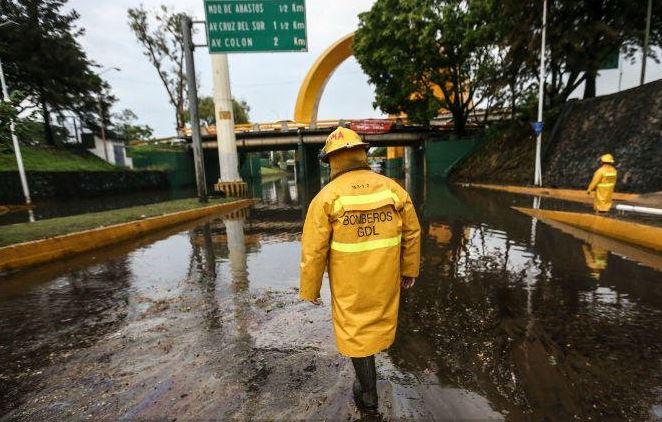 Jalisco, Guadalajara, Lluvias En Guadalajara, Inundaciones En Guadalajara, Clima En Guadalajara, Arcos Del Milenio