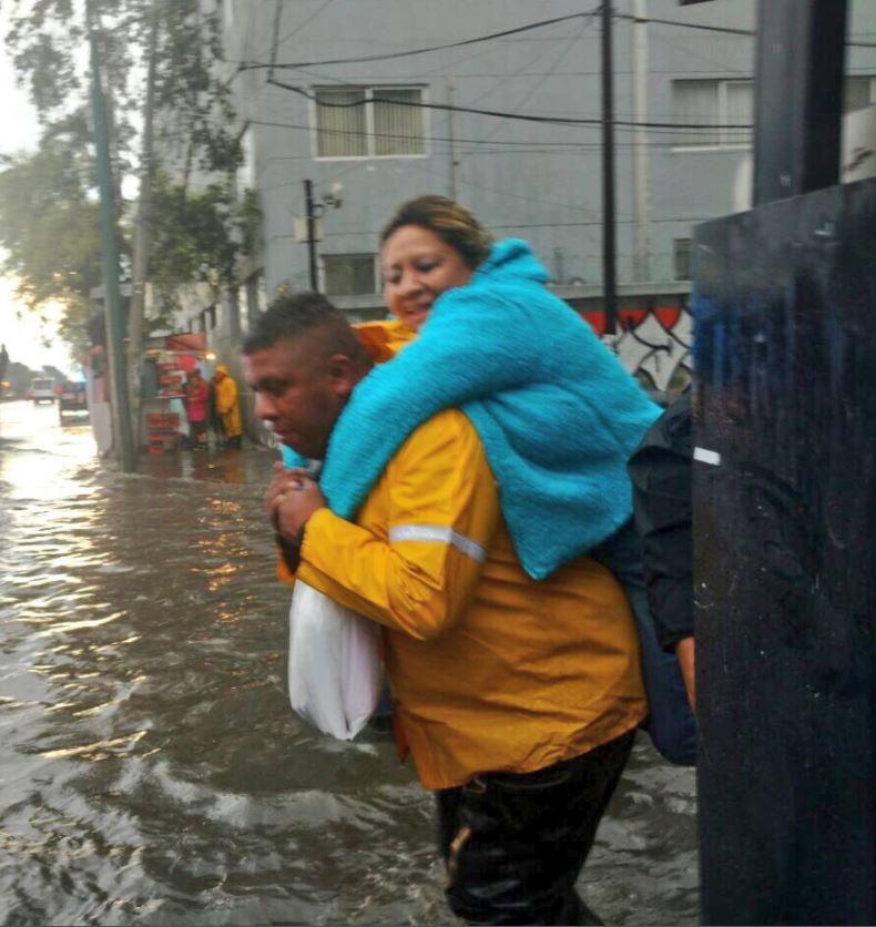 Sábado de inundaciones y encharcamientos en la zona sur de la CDMX