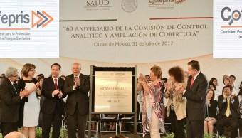 Narro participa en aniversario de laboratorio de la cofepris