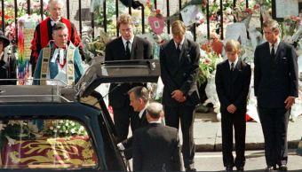Diana de Gales, Lady Di, Muerte, Hijos, Principes, Guillermo, Enrique, Llamada