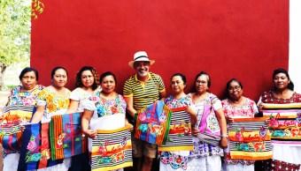 Mujeres indígenas Yucatán pagos bolsas Louboutin precios