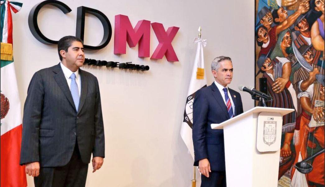 El jefe de gobierno de la Cdmx toma protestal procurador