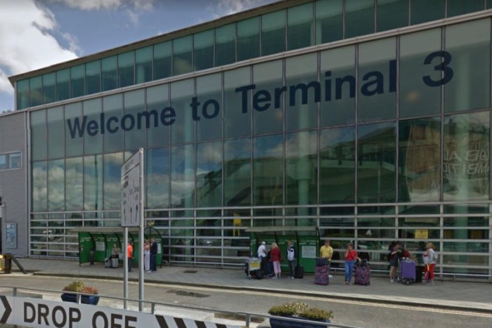 Terminal 3, aeropuerto, manchester, alerta de bomba, evacuado
