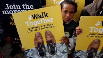 """En Sudáfrica se lanzó un movimiento llamado """"Walk Together"""" destinado a continuar el trabajo que Mandela hizo durante su vida (Reuters)"""