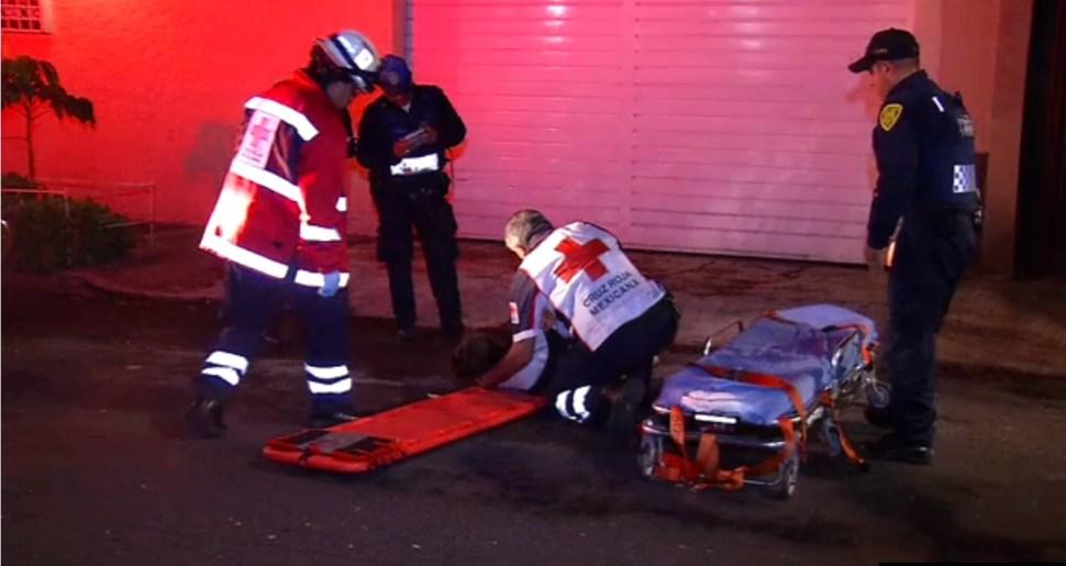 Una mujer es lesionada por camioneta
