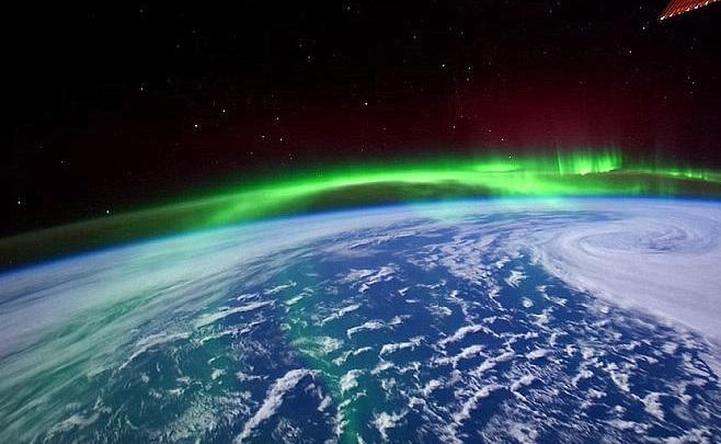 ¡Maravillas naturales! Así se ve una aurora boreal desde el espacio