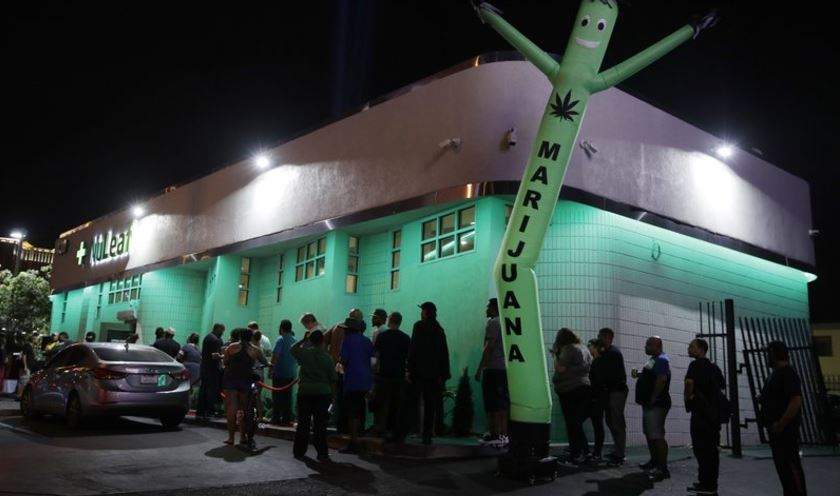 Nevada inicia venta de marihuana con fines recreativos