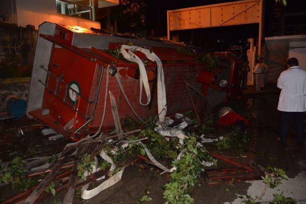 accidente refineria oaxaca muerto cuatro lesionados