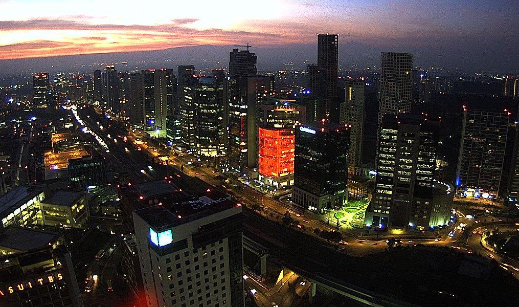 panoramica de la ciudad de mexico, preven tarde lluviosa