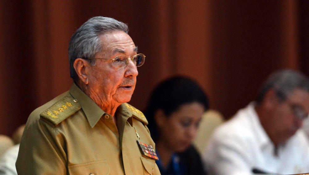 Castro felicita al Partido Comunista ruso por centenario de Revolución