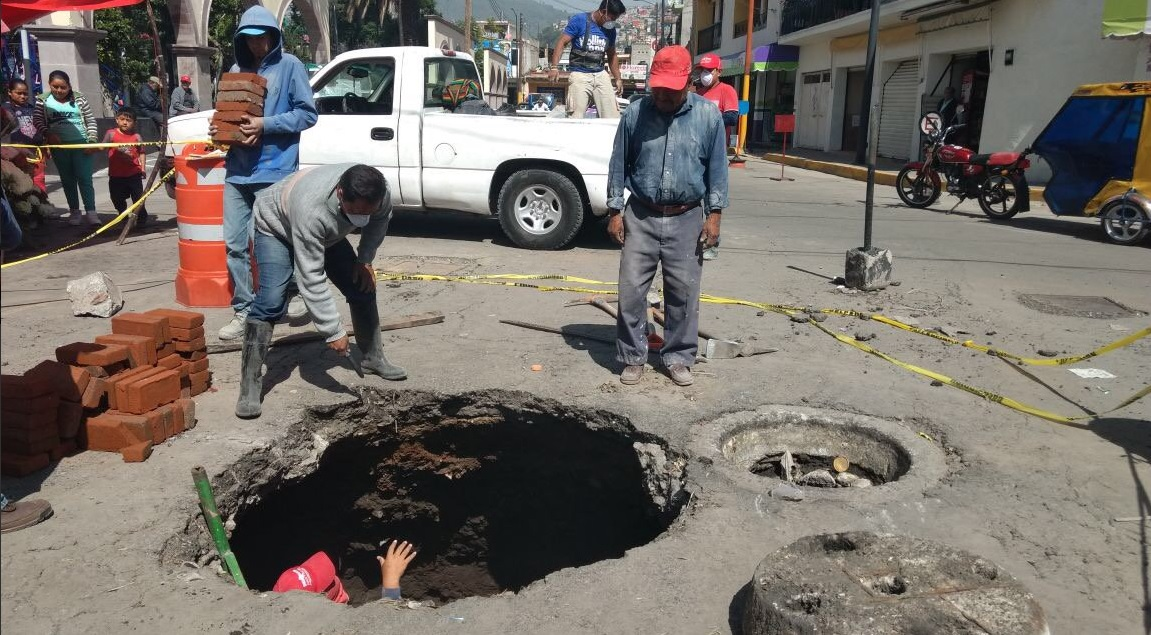 Se forma socavón en Ecatepec