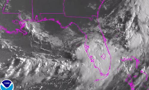 La tormenta tropical Emily se acerca a Florida