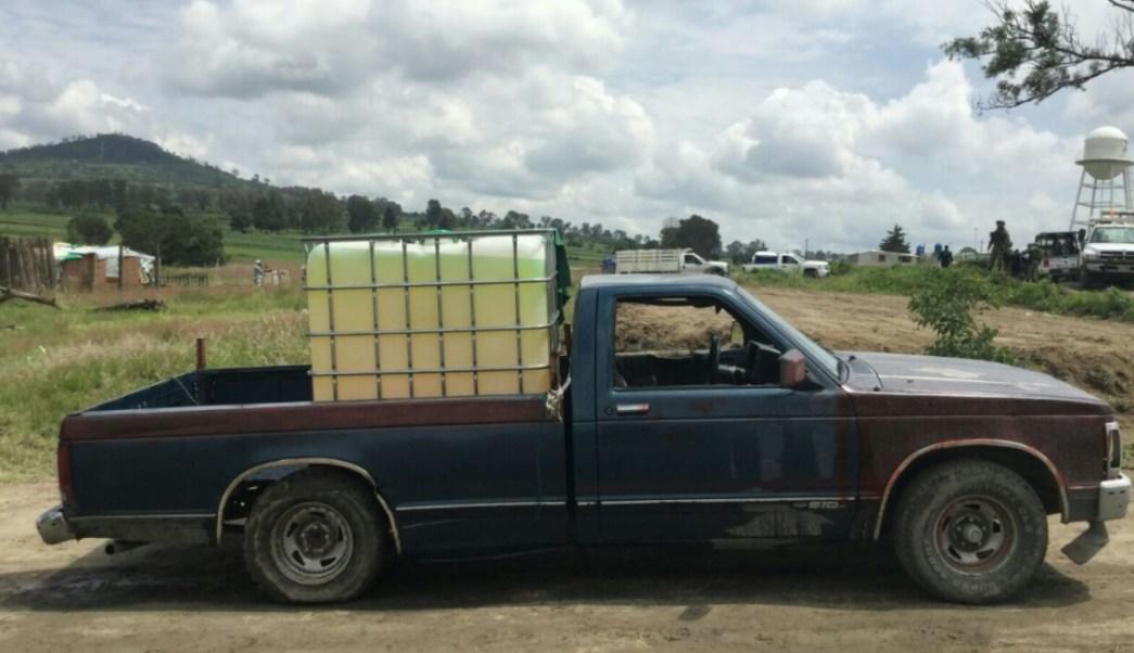Aseguran 21 vehículos con combustible robado en Puebla. (Twitter Seguridad Pública)
