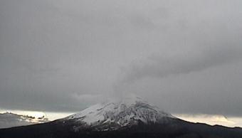 El volcan popocateptl visto desde una estacion