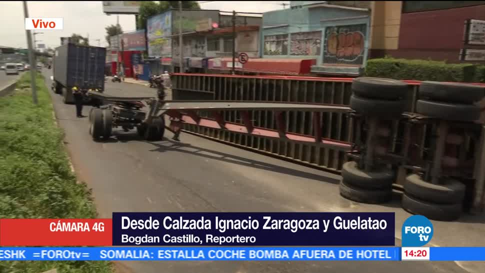 Caja tráiler vuelca calzada Zaragoza CDMX