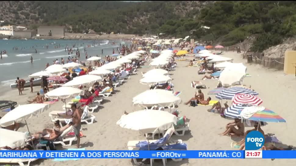 Ciudadanos españoles recuperan sus vacaciones en país