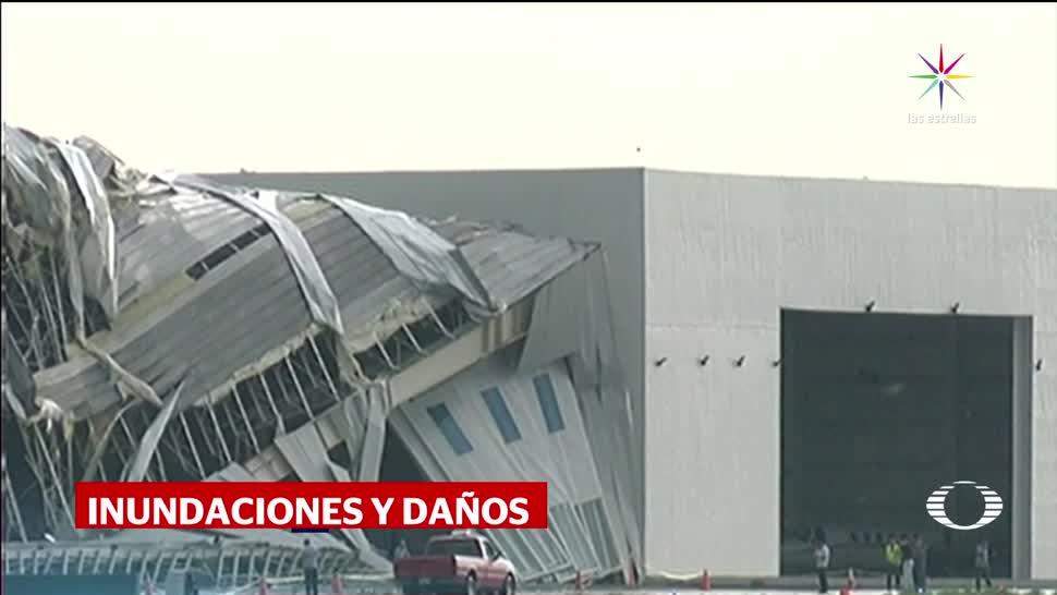 Lluvia viento derriban hangar Nuevo León