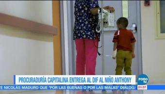 Procuraduría capitalina entrega al DIF al niño Anthony