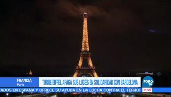 Torre Eiffel Apaga Sus Luces Homenaje Victimas Barcelona