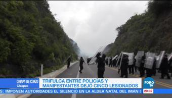 Policías y manifestantes se enfrentan en Chiapas