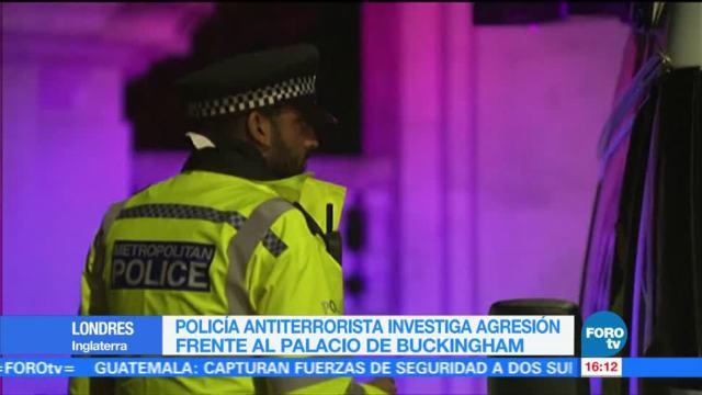 Policía antiterrorista investiga agresión frente al Palacio de Buckingham en LondresPolicía antiterrorista investiga agresión frente al Palacio de Buckingham en Londres