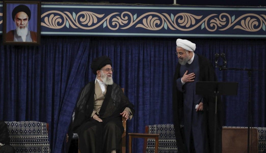 Rohaní es investido presidente de Irán para segundo mandato