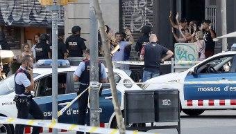 Muere sospechoso que ha embestido a policía al huir de Barcelona