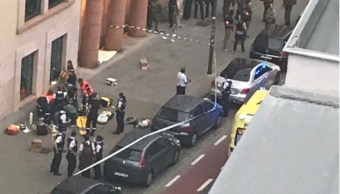 Abaten hombre atacar cuchillo dos soldados Bruselas