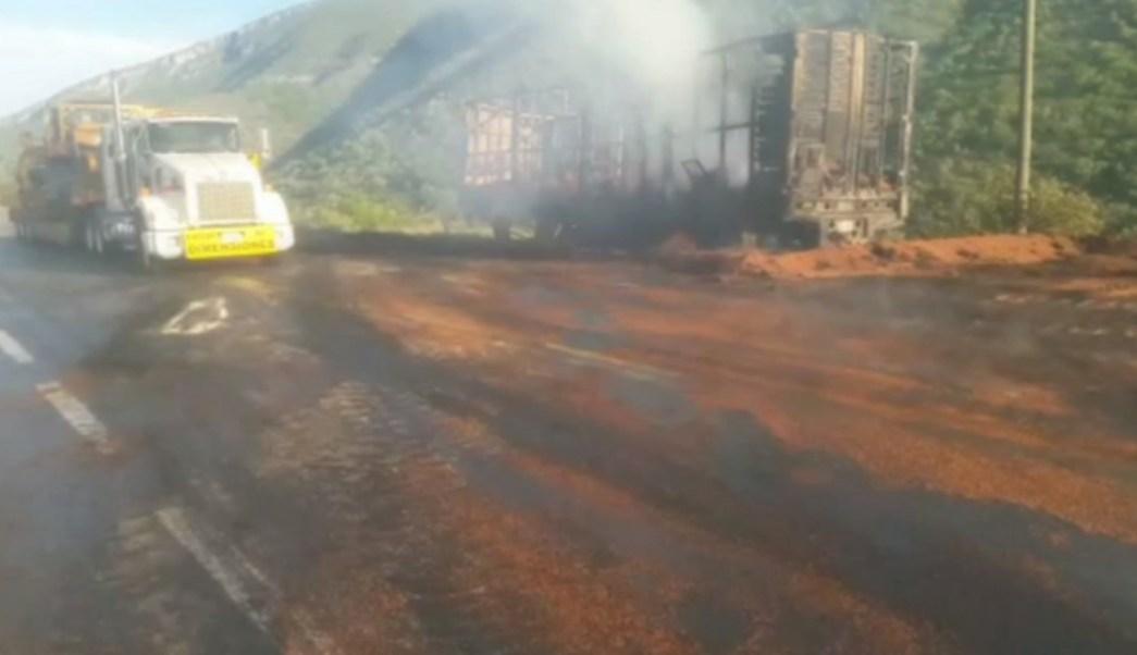 Dos traileres chocan en tamaulipas y dejan un muerto