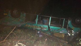 Ocho personas mueren caer autobus barranco bolivia