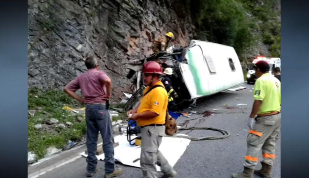 Accidente de autobus deja cuatro muertos