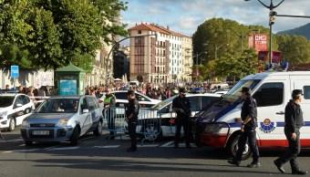 Policía catalana abate a tiros a hombre con supuesto cinturón de explosivos