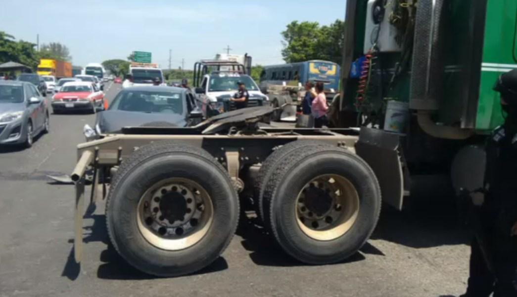 Tres vehiculos chocan sobre la veracruz xalapa