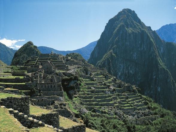 Perú evalúa construir un teleférico a Machu Picchu