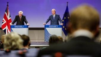 David Davis y Michel Barnier informan sobre la negociación del Brexit