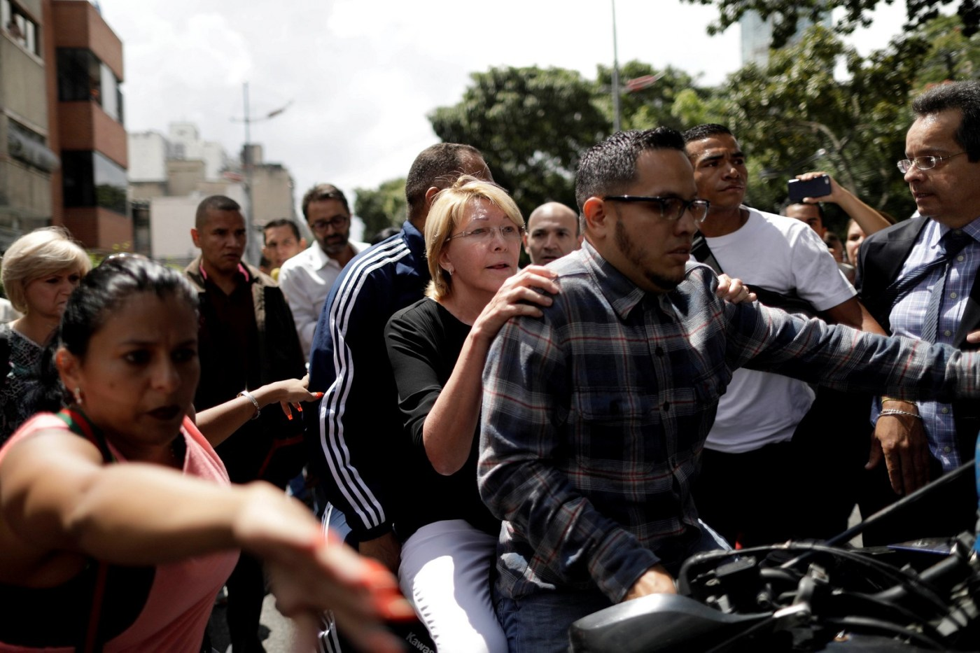 Destituyen a la fiscal Luis Ortega